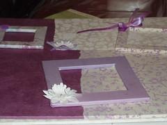 Cornici portaritratti con carta stoffa e decorazioni