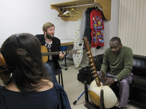 Jamming backstage with Toumani 3