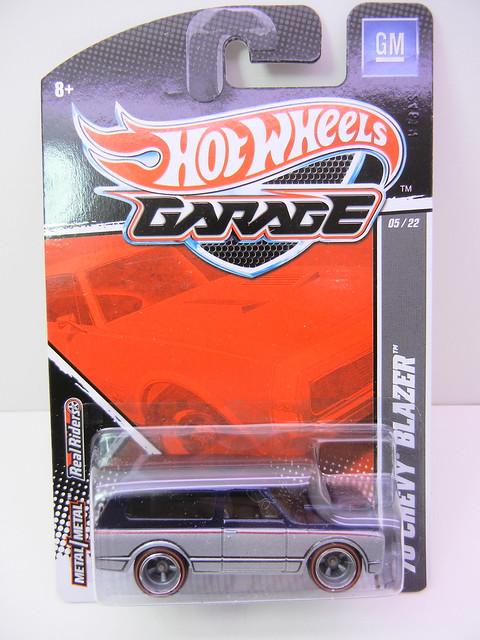hot wheels garage '70 blazer (1)