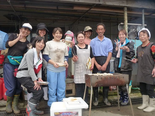 牡鹿半島小渕浜でボランティア Japan Earthquake Recovery Volunteer at Kobuchihama, Oshika Peninsula, Miyagi pref. Deeply Affected Area by the Tsunami