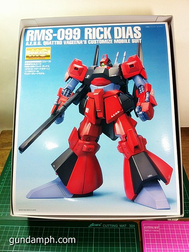MG Rick Dias Quattro Custom RED Review OOB Build (4)