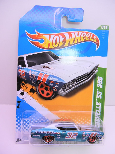 hot wheels treasure hunt 2012 '69 chevelle ss 396 (1)