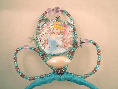 Princess tiara: hiding wires with more ribbon
