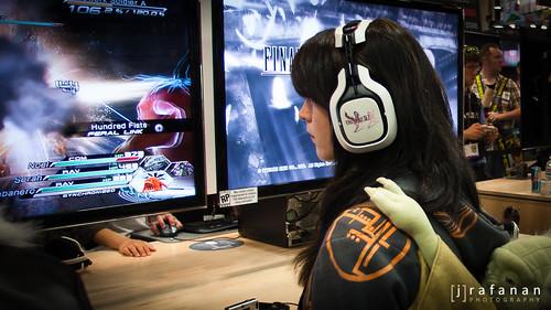 sdcc ffxiii-2 headphones