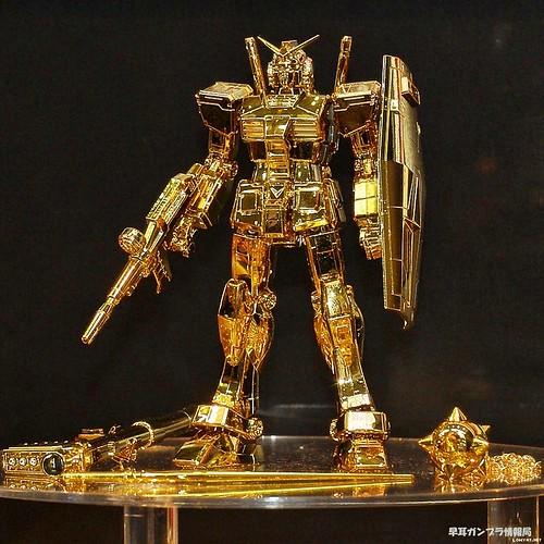 HG RX-78 {30th Anniversary Gold Limited} 999,999 box (1)