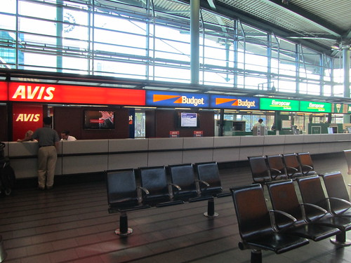 The Schiphol Airport in Amsterdam is a wonderful airport