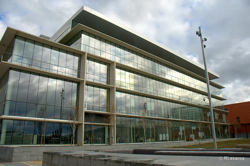 Edificio de oficinas en la calle Sangüesa