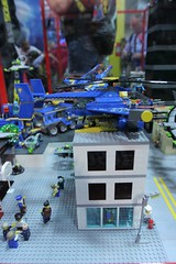 Alien Conquest Display Case - LEGO Booth at Comic Con - 3