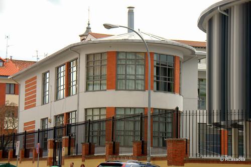 Colegio Vázquez de Mella en la calle Aralar.