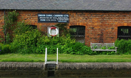 20110529-16_Grand Union Canal Lockside Buildings - Braunston by gary.hadden