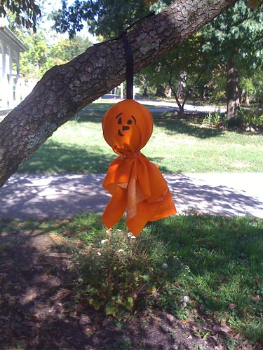 hanging pumkins/ghosts