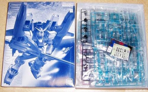 MG2000 {Clear-Limited} - RX-178 Super Gundam + G-Defenser (2)