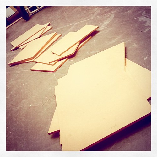 In pieces... The beginnings of my final show plinth...