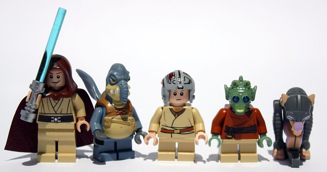 All five glorious minifigs