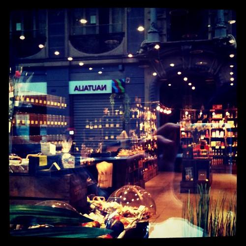 Nueva tienda xra gourmets en valencia by rutroncal