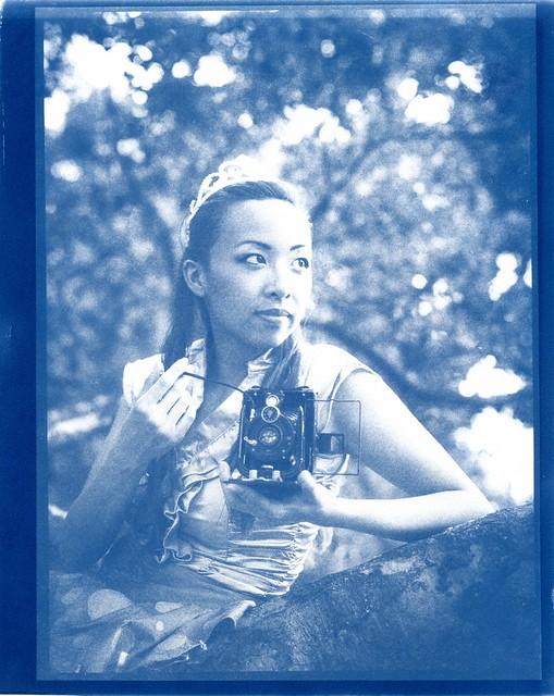 Memento Mori - Women and Cameras series