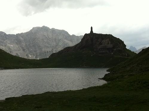 Karnischer Höhenweg, Wolayer Seehütte