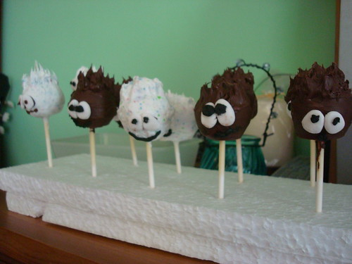 Puffle Cake Pops by squeejay