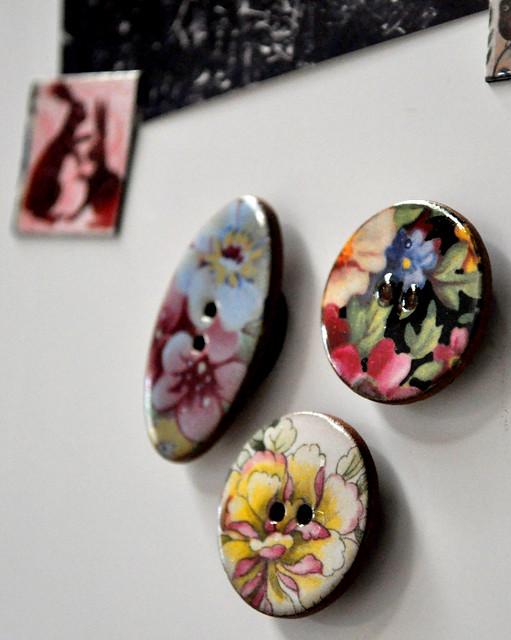 V&A Ceramic Button Magnets