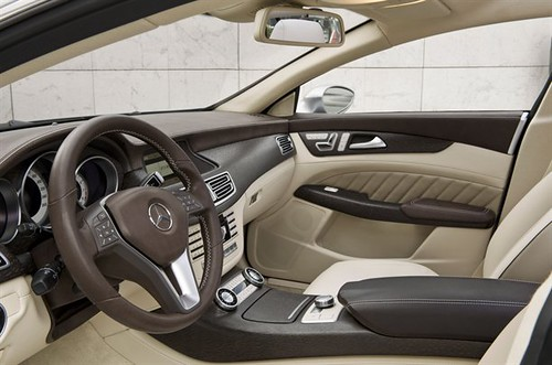 Mercedes Benz CLS: Un Sedan con Clase