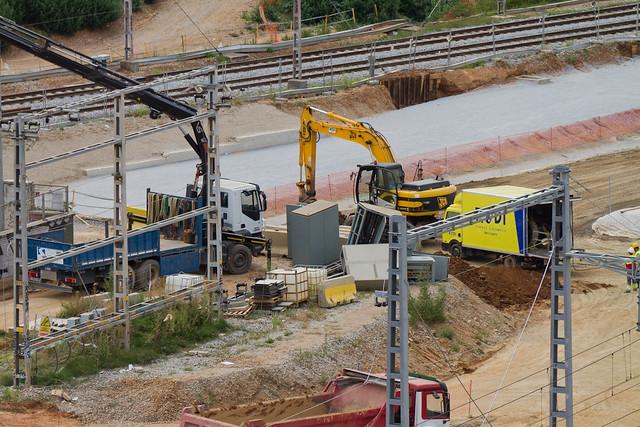 Antigua subestación eléctrica - Retirando material antes de la demolición - 22-07-11