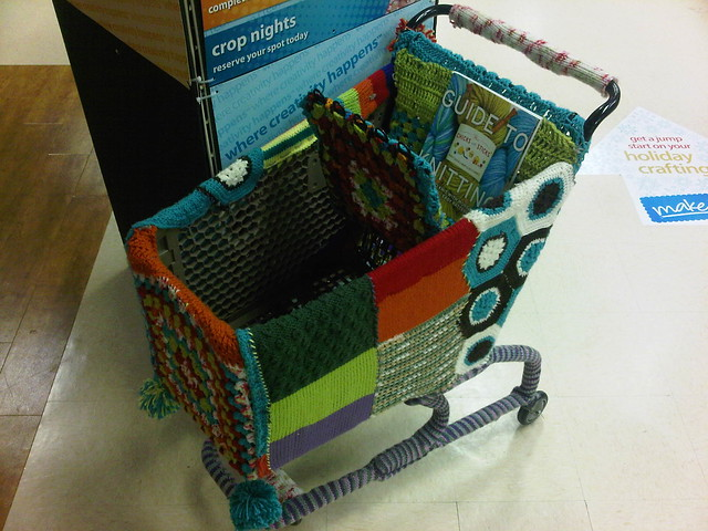 Crochet shopping cart