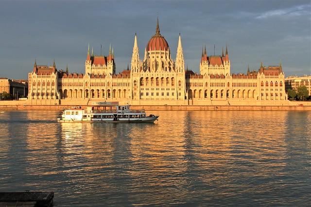 Le parlement et le Danube, Budapest