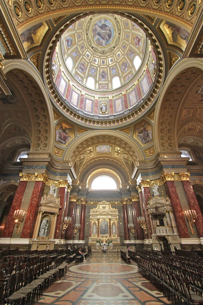 Intérieur de la basilique Saint-Étienne de Pest, Budapest, Hongrie