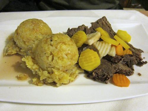Tafelspitz mit Röstkartoffeln