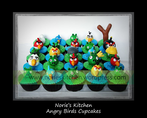 Norie's Kitchen - Angry Birds Cupcakes by Norie's Kitchen