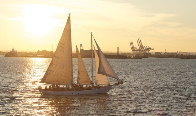 Sailing on the Harbor