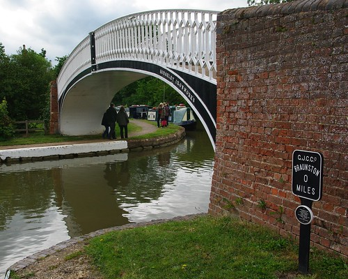 20110529-23_Braunston Marina Iron Bridge by gary.hadden