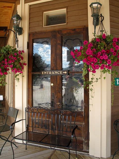 entrance-Alpine Inn