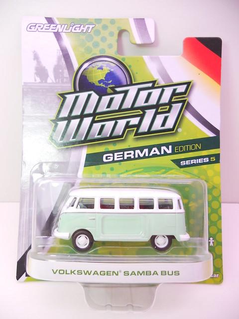 greenlight motorworld german edition volkswagen samba bus (1)
