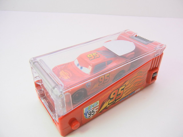 disney cars 2 tomica lightning mcqueen launcher (5)