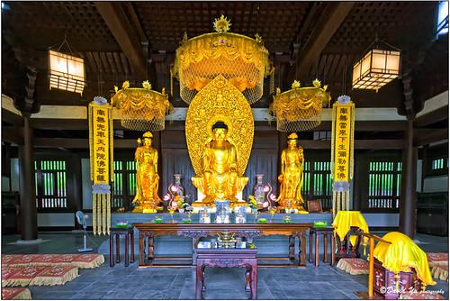 Buddha Temple by davidyuweb