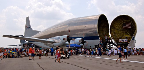 Super Guppy, Side View