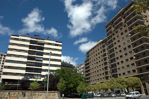 Edificios y vistas de la Avenida del Ejército y la calle Hermanos Imaz
