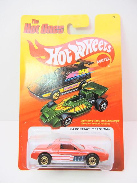 hot wheels hot ones '84 Pontiac Fiero 2m4