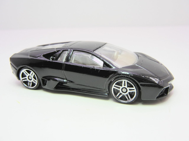 hot wheels black lamborghini reventon (2)
