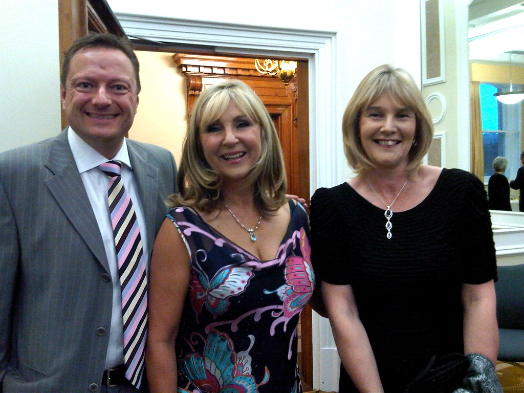 An Evening with Lesley Garrett and Honley MVC