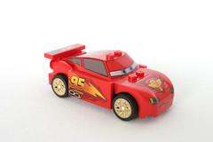 8423 World Grand Prix Racing Rivalry Lightning McQueen - Front