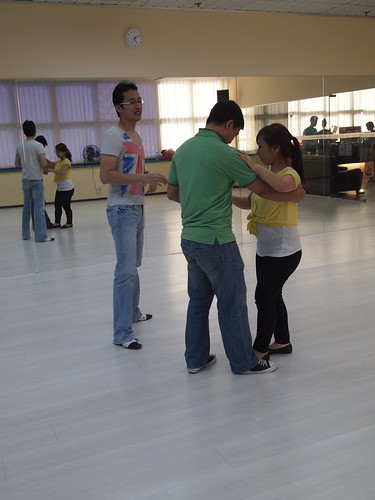 Singapore Lifestyle Blog, Lifestyle Blog, Singapore blog, Lifestyle Blogger, nadnut, Dance lessons, Dance classes, Where to take dance classes in Singapore?, Mosaic Dance, Attitude Dance Studio, Salsa, West Coast Swing, West Coast Swing classes in Singapore
