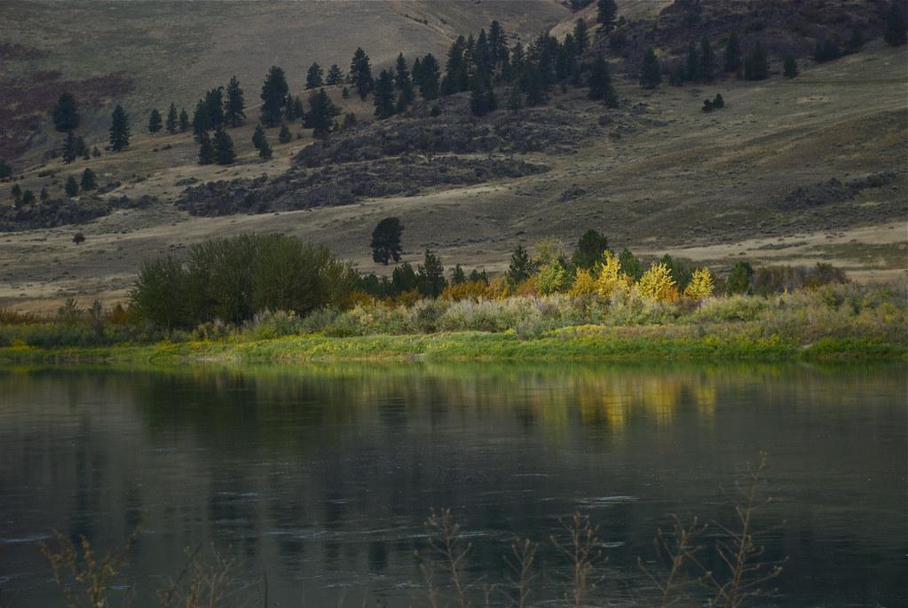Fall along the Flathead