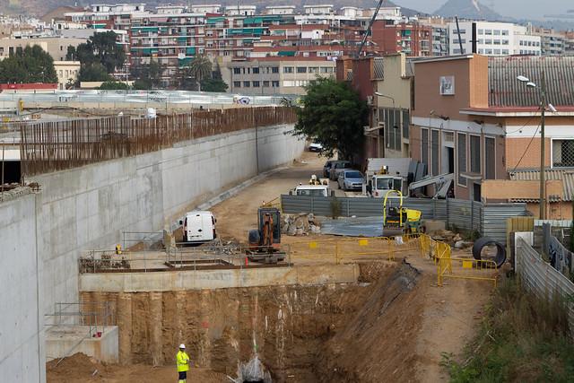 Triangle ferroviari - Han retirado la valla provisional que existía entre la calle y las obras - 30-09-11