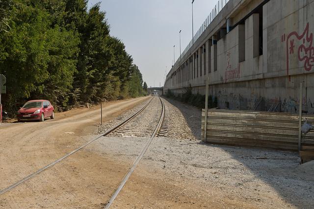 Via de servicio que entró en funcionamiento la semana pasada y que permite maniobrar a los trenes que entran en talleres - Sur - 14-09-11