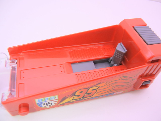 disney cars 2 tomica lightning mcqueen launcher (4)