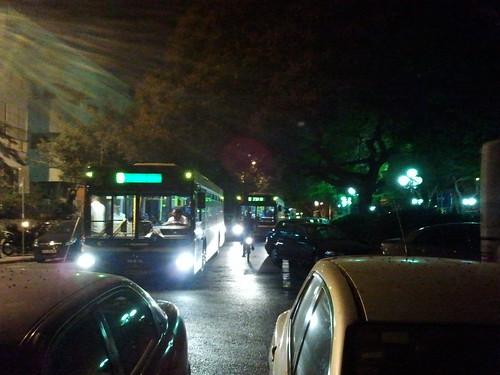 החרא חנה וחסם את האוטובוסים