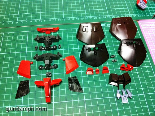MG Rick Dias Quattro Custom RED Review OOB Build (29)