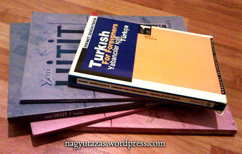 Török nyelvkönyv-halmaz